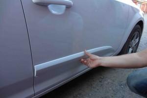 Автомобильные молдинги на двери